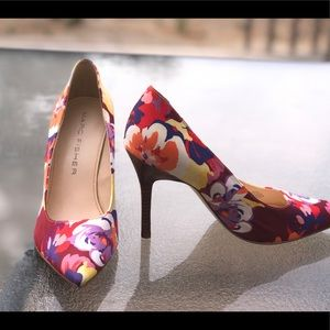 Size 8-1/2 Marc Fisher Multi-Color Shoes